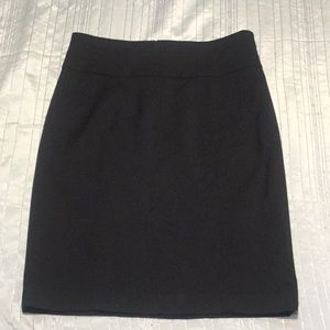 H& M zipper back pencil skirt new with tag!